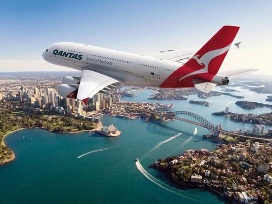 Qantas Airline Berencana Bagikan iPhone untuk Karyawannya