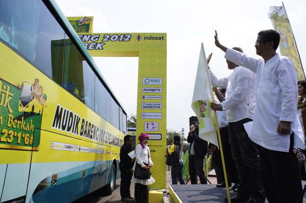 Indosat Berangkatkan Ribuan Pemudik