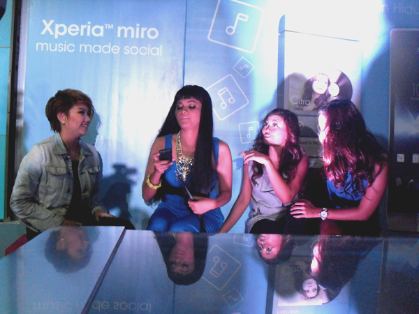 Photo of Sony Xperia miro Smartphone Musik dan Sosial