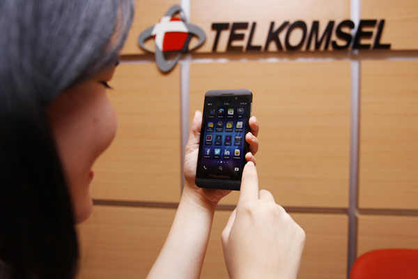 Telkomsel buka Pembelian Online BB Z10