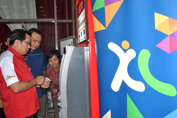 Pembelian paket data XL melalui e-channel Bank Sinarmas