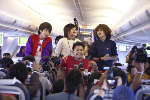 Konser Coboy Junior Tour di Atas Udara didukung Kartu As