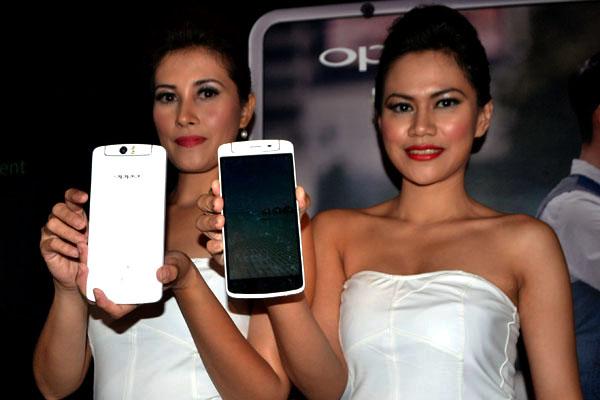 Photo of Henpon Premium dengan  Kamera Berputar