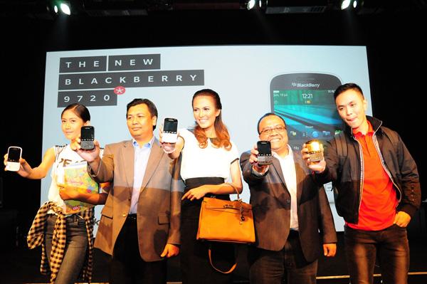 Dengan Bangga BlackBerry 9720  Sudah hadir di Indonesia