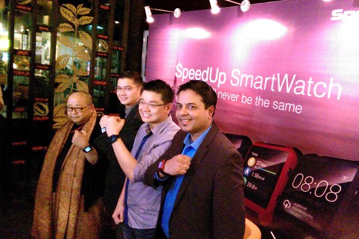 SpeedUp SmarWatch,jam tangan Layar Sentuh dengan OS Android 4.4. Kitkat