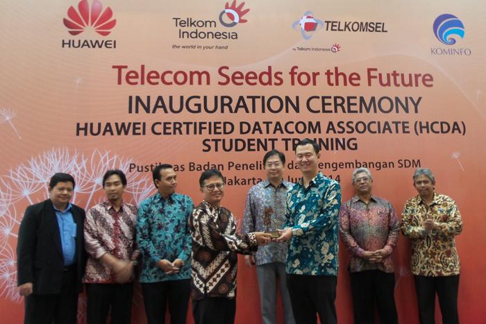 Huawei Latih 100 Mahasiswa dari Universitas Terkemuka Indonesia