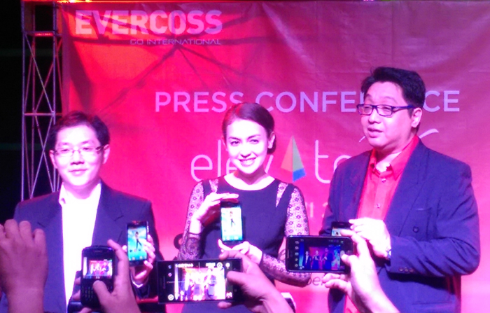 Elevate Y, Smartphone Terbaru dari EVERCOSS