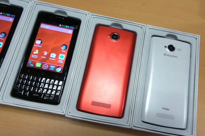 Smartfren hadirkan Smartphone Android dengan keypad Fisik QWERTY