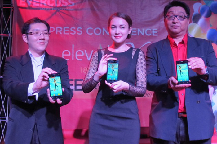 EVERCOSS Elevate Y Smartphone Premium dengan harga terjangkau