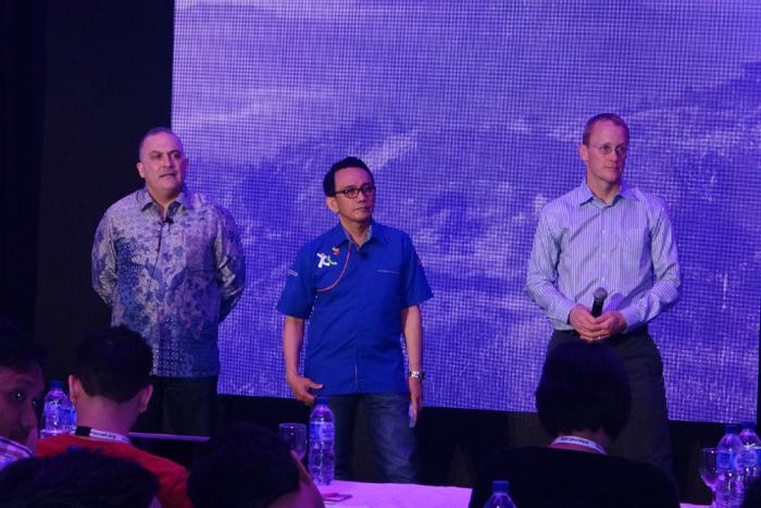 XL kerjasama dengan Ericsson dan FB