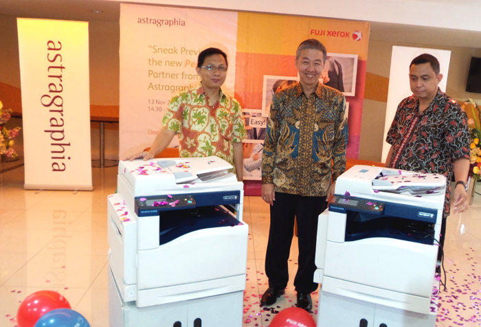Mesin Cetak Multifungsi Berwarna yang dilengkapi fiturkeamanan dan mobile print