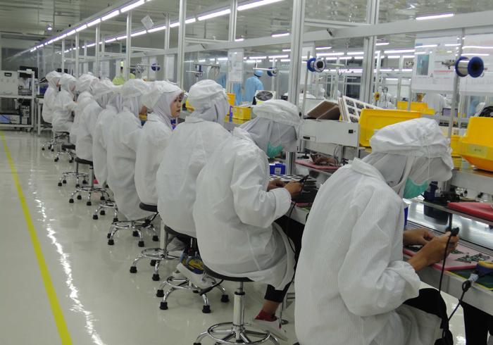 Menutup Tahun 2014 Polytron Produksi Smartphone