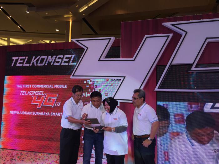 Telkomsel 4G LTE yang Pertama Hadir di Surabaya
