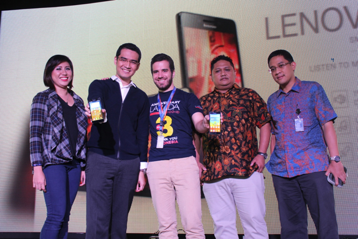 Photo of Lenovo Luncurkan A6000, Smartphone 4G LTE dengan Harganya Terjangkau