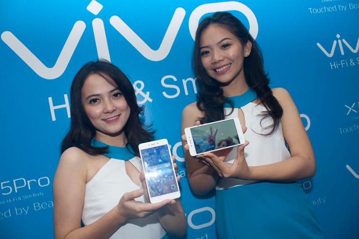 ber-selfie dengan kamera 13MP vivo X5pro 1