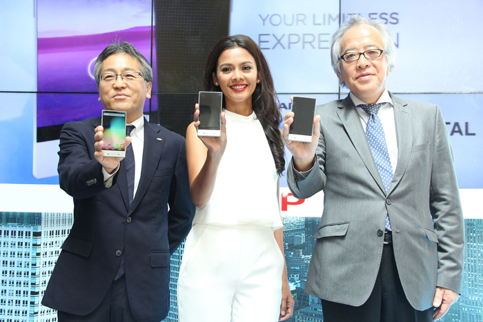SHARP AQUOS Crystal Ramaikan Henpon Pintar di Pasar Indonesia