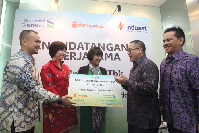 Indosat &  Standard Chartered Bank  Luncurkan Straight2Bank Wallet di Indonesia