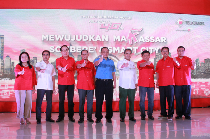 Photo of Telkomsel Resmikan Layanan 4G LTE Secara Komersial di Makassar