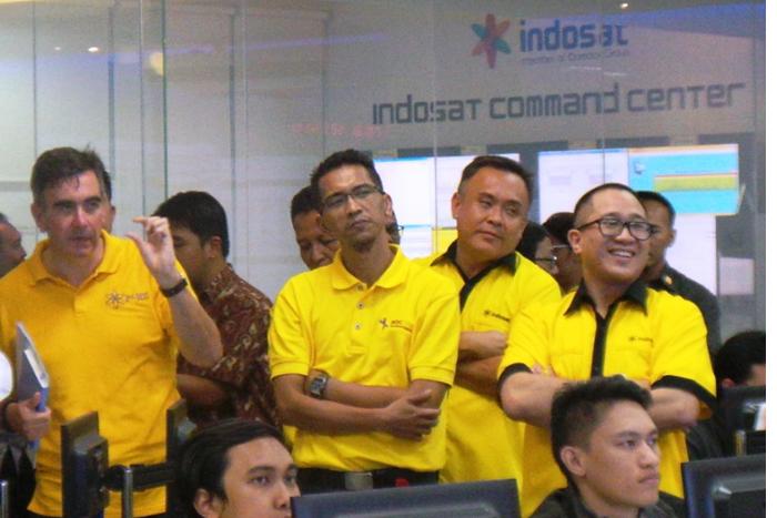 Trafik SMS Indosat hari H 2015 naik 44.43% dibandingkan hari H tahun 2014