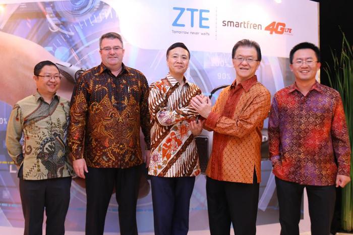 ZTE Mendukung Jaringan 4G Hybrid Pertama Milik Smartfren