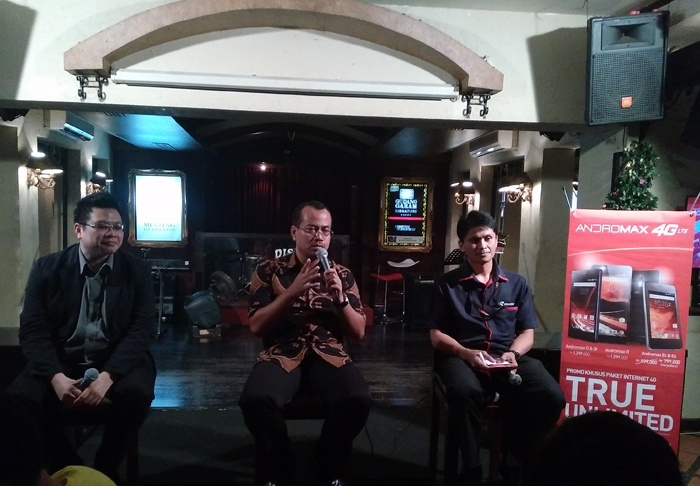 "Paket Data Internet 4G ""True Unlimited"" dari Smartfren"