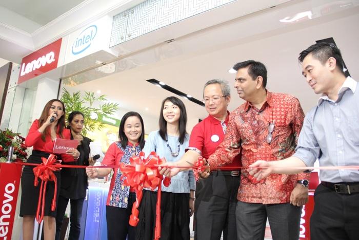Lenovo Resmikan Flagship Store Pertama di Indonesia