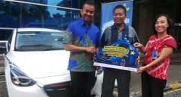XL Serahkan Hadiah Utama Mobil Mazda di Program POINSIUL