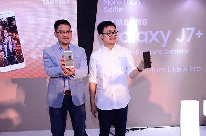 Dari Kiri ke Kanan, Bapak Denny Galant selaku Head of Product Marketing, IT & Mobile beserta Bapak Irfan Rinaldi