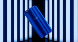 OPPO F5 Dashing Blue Limited Special Package Habis Terjual dalam Dua Menit, Sadisssss……