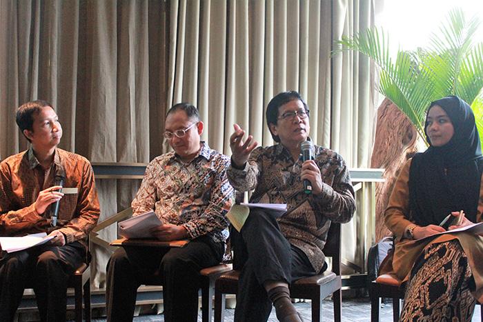 Riset Indosat kerjasama UGM 2