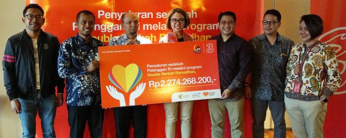 Photo of 3 Indonesia Salurkan Rp 2.2 Milyar Sedekah Pelanggan Untuk Wujudkan Ambisi Anak-Anak Marjinal Bersekolah