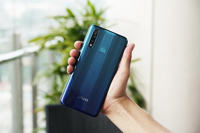 Photo of Vivo Hadirkan Varian Terbaru Z1 Pro 6GB Semakin Performa Tangguh dan Optimal Dukung Mobilitas Tinggi Pengguna